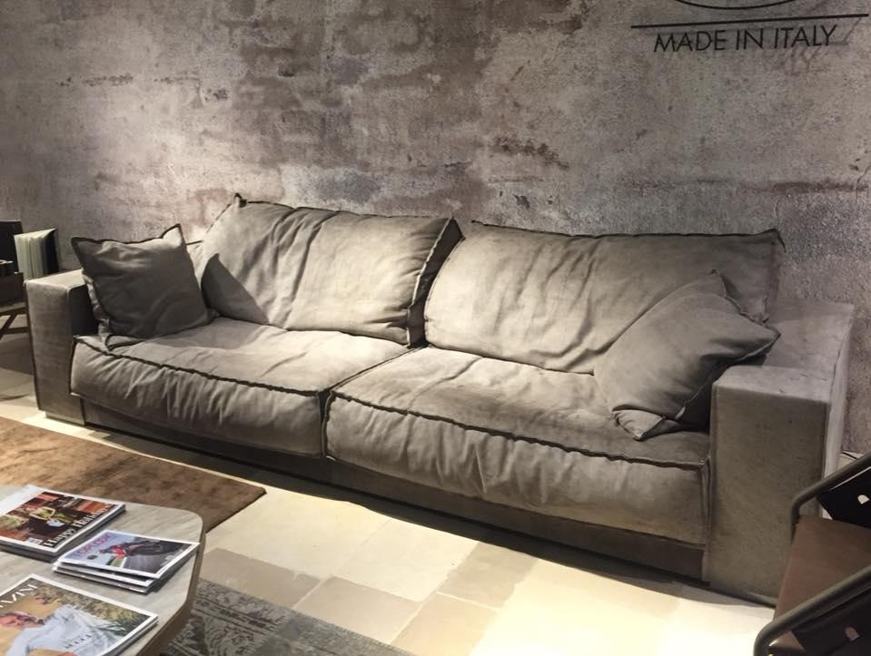 Living moderno divano 3 quattro stelle arredamenti for 3 stelle arredamenti